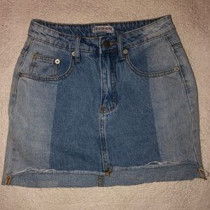 Two Toned Jean Skirt💙